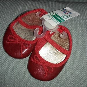 New born size 1 Okie Dokie red shimmer shoes NWT